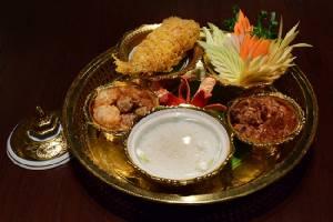 """""""เสน่ห์จันทน์"""" ขอเชิญชวนทุกท่านร่วมลิ้มรส """"ข้าวแช่"""" อาหารไทยคลายร้อนประจำเทศกาลสงกรานต์"""