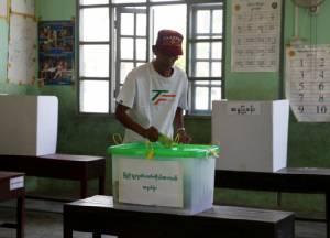 พม่าจัดเลือกตั้งซ่อมบททดสอบแรกรัฐบาลซูจีหลังบริหารประเทศ 1 ปี