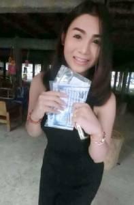 กะเทยไทยดังข้ามโลก!! สื่อนอกฮือฮาหนุ่มสวยรายงานตัวคัดเลือกเกณฑ์ทหาร