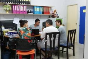 รวบยกแก๊ง! คนไทยรวมหัวต่างชาติปลอมบัตรเครดิต รูดซื้อโรงแรมที่กระบี่กว่า 700 ล้าน
