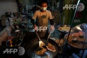 Bangkok to ban street food stalls in clean-up crusade