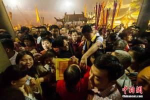 """ชมภาพบรรยากาศเทศกาลบูชาเทพธิดาแห่งท้องทะเล """"เจ้าแม่มาจู่"""""""