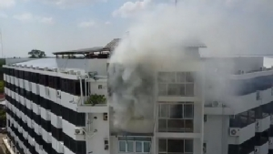 หนีตายโกลาหล! ไฟไหม้ชั้น7โรงแรมใหญ่กลางเมืองศรีสะเกษ