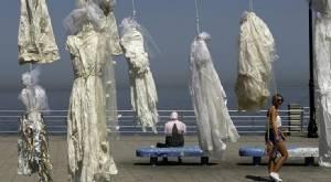 InClip:เลบานอนเคลื่อนไหว  แขวนชุดเจ้าสาว ประท้วงกม.เบรุต ช่วยฆาตกรโทษข่มขืนเด็กไม่ต้องติดคุก
