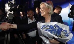 """""""มารีน เลอ แปน"""" นักการเมืองขวาจัด ที่หวังจะเป็นผู้นำหญิงคนแรกของฝรั่งเศส"""