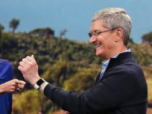 ซีอีโอ Apple โทษข่าวลือ iPhone 8 ทำยอดขายโตน้อย