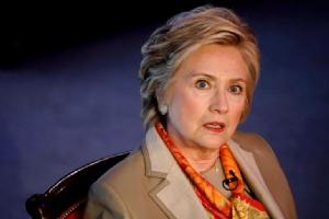 """แค้นไม่หาย!! """"ฮิลลารี คลินตัน"""" โผล่เวทีเสวนานิวยอร์ก จวก """"ผอ.เอฟบีไอ-รัสเซีย"""" เป็นต้นเหตุทำให้แพ้ """"ทรัมป์"""""""