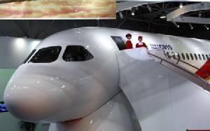 """จัมโบเจ็ตจีน """"C919"""" จ่อบินครั้งแรกสัปดาห์นี้ ท้าชนโบอิ้ง แอร์บัสแย่งสัดส่วนการตลาดโลก"""