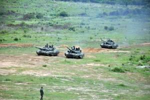 Oplot-M ออกศึก BTR-3E ยิงจรวดนำวิถี ATGM ฮัมวี่ติดจรวด TOW สามเหล่าทัพจัดหนักศึกอิรักก็ไม่ปาน