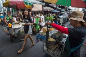 Thai economy picks up slightly in first quarter