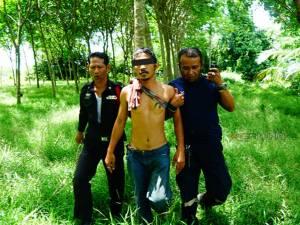 ผวา! ตามจับอดีตทหารพรานป่วยทางจิตส่งรักษา หลังทำร้ายชาวบ้านใน จ.พัทลุง