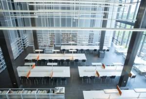 """รีบไป!! ห้องสมุดด้าน """"ศิลปะ-ออกแบบ"""" ใหญ่สุดในไทยใจกลางกรุง"""