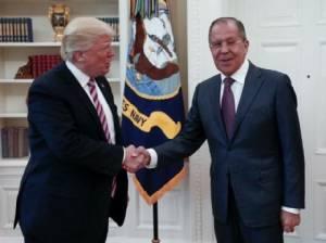 """""""ปูติน"""" ยัน """"ทรัมป์"""" ไม่ได้เผยข้อมูลลับแก่รัสเซีย พร้อมมอบสำเนาสนทนาให้คองเกรส"""