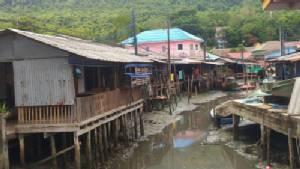 ชาวบ้านไม้รูด เกือบ 3,000 คนเดือดร้อน จากพ.ร.บ.เดินเรือฉบับใหม่