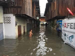 อ่วมหนัก..ฝนถล่มเชียงใหม่ น้ำท่วมเมือง ร.ร.ประกาศปิดระนาว