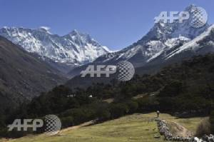 Three climbers die on Everest, one missing