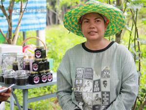 เกษตรกรตัวอย่าง Young Smart Farmer ทำสวนผสมยึดหลักในหลวง ร.๙