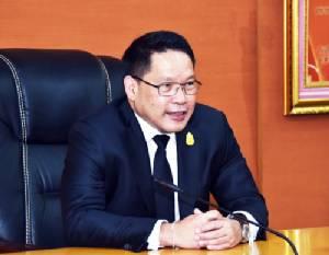 """รองนายกฯ """"สมคิด"""" นำทีมเศรษฐกิจสานสัมพันธ์ไทย-ลาว ลงนามร่วมมือส่งเสริม SMEs"""