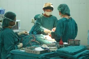 สภาพการทำงานของแพทย์ในโรงพยาบาลของรัฐ : เมื่อแพทย์ป่วยและทนไม่ไหวจนต้องลาออกหรือเสียชีวิต