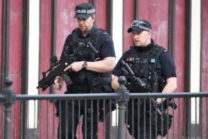 อังกฤษส่งทหารเฝ้าพื้นที่สำคัญ เชื่อมือระเบิดไม่ได้ทำงานลำพัง