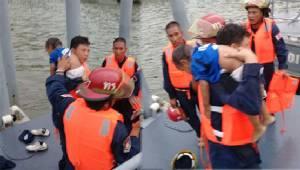 ฮีโร่ทหารเรือ ช่วยเด็กตกน้ำเจ้าพระยาลอยคว่ำหน้ารอดตายปาฏิหาริย์