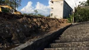 โวย เทศบาลเชียงใหม่ผุดบ่อขยะกลางเมืองติดชุมชน เจอฝนกระหน่ำดินถล่มบ้านพังทั้งแถบ-น้ำเน่าทะลัก