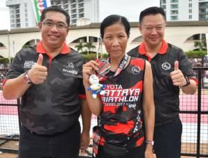 """หนุ่มออสซี่ ซิวแชมป์ไตรกีฬาพัทยา """"พิพัฒน์พน-สัณห์ฤทัย"""" ที่1คนไทย"""