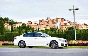 Road Trip สุดเอ็กซ์คลูซีฟกับ BMW ซีรีส์ 5 ใหม่ล่าสุด ที่เขาใหญ่