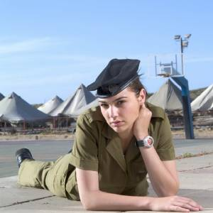 """7 เรื่องน่ารู้ของ """"แกล กาด็อต"""" Wonder Woman เชื้อสายยิว – อดีตทหารญิง - นางงามอิสราเอล"""