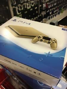 """หลุด """"PS4"""" สีทองอร่ามงามตา"""