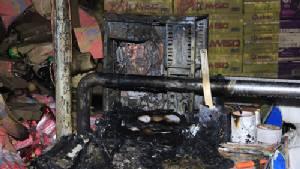 ฟ้าผ่าลงคอมพิวเตอร์ห้างสรรพสินค้าเมืองปราจีน เกิดไฟลุกไหม้ในคลังเก็บสินค้า