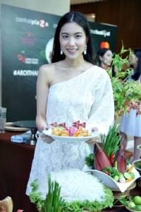 เซเลบฯ สาวสาวชิมเปิดประสบการณ์อร่อยแบบไทยๆ ให้ดังก้องไปโลก