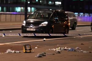In Pics : IS อ้างความรับผิดชอบเหตุขับรถชน-ไล่แทงคนที่ลอนดอน นายกฯเมย์ชี้อังกฤษต้องปรับแผนสู้ก่อการร้าย