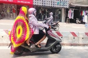 ไปดูชาวฮานอยหลบร้อน .. อุณหภูมิทะลุ 40 องศาร้อนที่สุดในรอบ 40 ปี