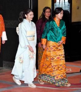 """ทิวทัศน์งาม คนยิ่งงาม! ชมภาพชุด """"เจ้าหญิงมะโกะ"""" เยือนภูฏาน"""