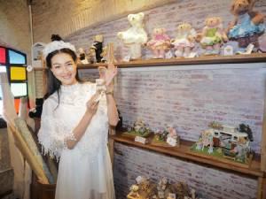 """""""แพนเค้ก เขมนิจ"""" เปิดปราสาทชวนคนรักตุ๊กตาหมี ที่ Teddy Castle ทองหล่อ ซอย5"""