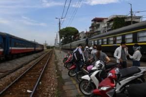เวียดนามหวั่นรถไฟเจ๊ง คนแห่ใช้บริการเครื่องบินทั้งถูกและเร็ว