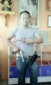 เจออีกดอก นิติกรซี 7 ตบทรัพย์นายกเล็ก ทหารลุยค้นบ้านหลังโชว์ภาพถือปืน เจอปลอกกระสุนอื้อ(ชมคลิป)
