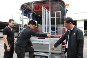 ลั่นจับปรับจริง ขนส่งเมืองน้ำดำคุมเข้มตรวจมาตรฐานรถรับส่งนักเรียน (ชมคลิป)