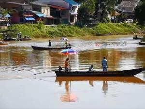 ยอมอ่อนข้อ! ทหารเปิดท่าเรือ 6 ชุมชนที่โก-ลกแล้ว ชาวบ้านกว่า 5 พันคนเริ่มวิถีชีวิตปกติ