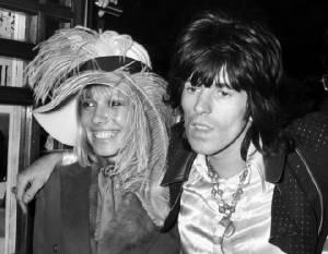 """ลาโลกแล้ว """"อนิตา พัลเลนเบิร์ก"""" ผู้ก่อตำนานรักสามเส้ากับ Rolling Stones"""