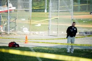 """เฒ่าต่อต้าน """"ทรัมป์"""" ควงปืนบุกสนามกีฬา กราดยิง ส.ส.รีพับลิกันก่อนถูก ตร.สอยดับ"""