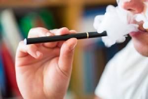 """หมอเด็กห่วง """"บุหรี่ไฟฟ้า"""" เพิ่มปัญหายาเสพติดวัยรุ่น พ่วงทำลายสมอง"""