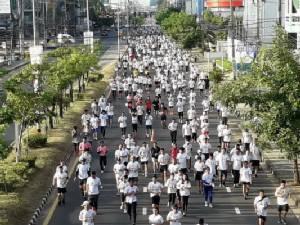 คนอุบลฯ กว่า 5 หมื่นร่วมเดิน วิ่ง โอลิมปิกเดย์ 2017 โชว์ศักยภาพเจ้าภาพซีเกมส์ 2025