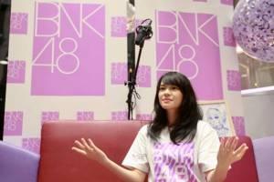 """น่ารักสิบผ่าน! """"เฌอปราง อารีย์กุล"""" กัปตันคนแรกของ BNK48"""