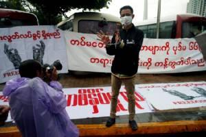 เพื่อนร่วมอาชีพร้องรัฐบาลพม่าปล่อยตัว 3 นักข่าว ถูกจับเพราะแค่ทำตามหน้าที่