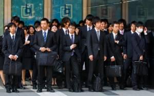 """อัตราการเปลี่ยนงานในญี่ปุ่น """"พุ่งสูงสุด"""" ท่ามกลางภาวะขาดแคลนแรงงาน"""