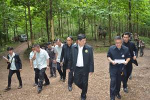 รมว.ทรัพย์ฯ ตรวจพื้นที่ป่าแพร่-น่าน เสนอปรับ กม.ป่าไม้ทั้งระบบ