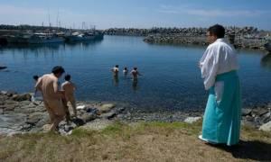 เกาะญี่ปุ่นที่ผู้ชายต้องแก้ผ้าก่อนขึ้นฝั่ง ได้เป็นพื้นที่มรดกโลกของยูเนสโก