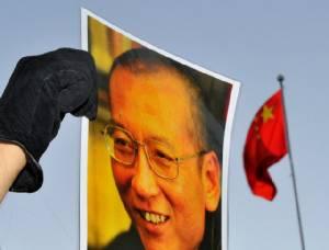 """ตะวันตกเศร้า""""หลิว เสี่ยวปัว""""นักสู้ผู้ต่อต้านจีนสิ้นลม-ร้องปล่อยตัวเมีย คกก.โนเบลกร้าวปักกิ่งต้องรับผิดชอบ"""